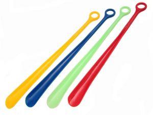 Obouvací lžíce plastová 45 cm